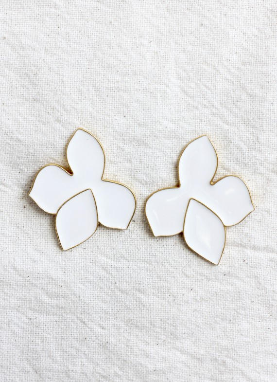 WHITE FRANGIPANI EARRINGS